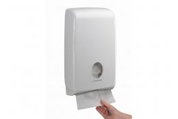 AQUARIUS* SLIMFOLD Zásobník na skládané papírové ručníky – bílá